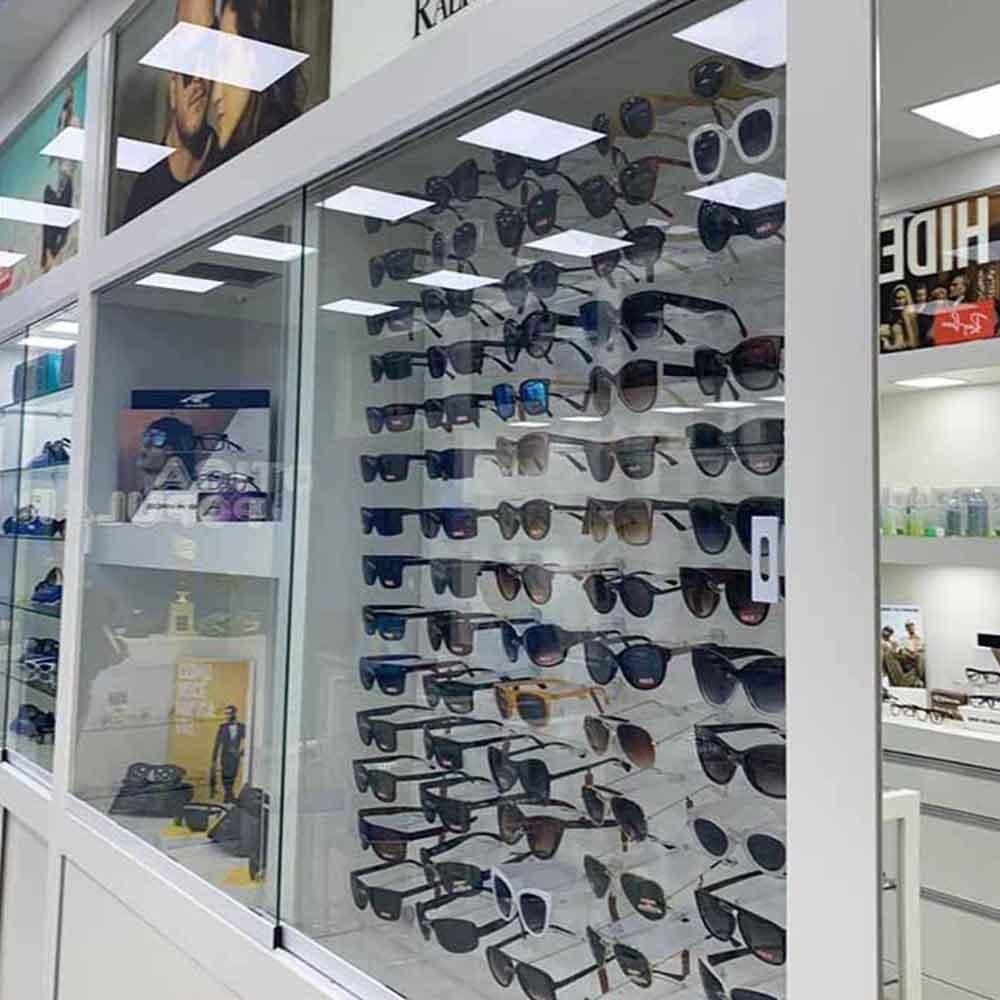 Painel Expositor em Acrílico para Óculos - Tamanho 60X60cm